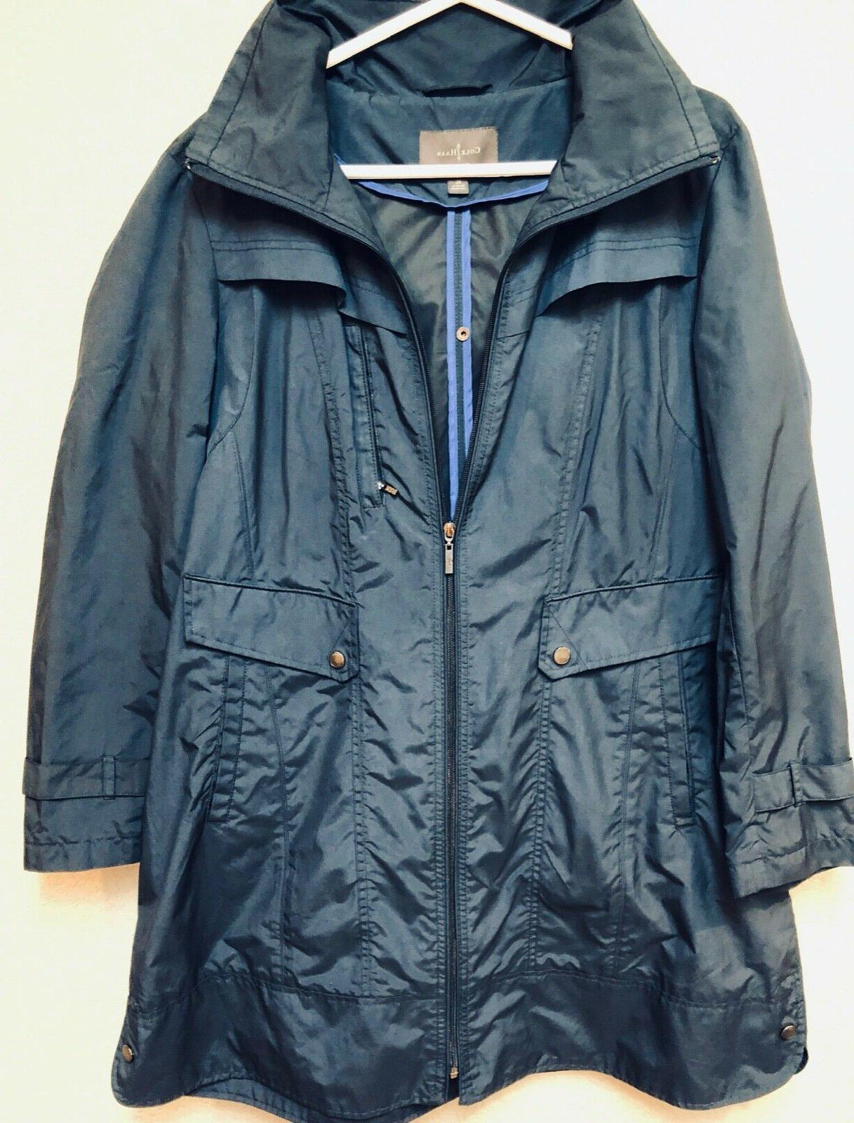 Cole Haan Navy raincoat. Packable. Knee length. Sz
