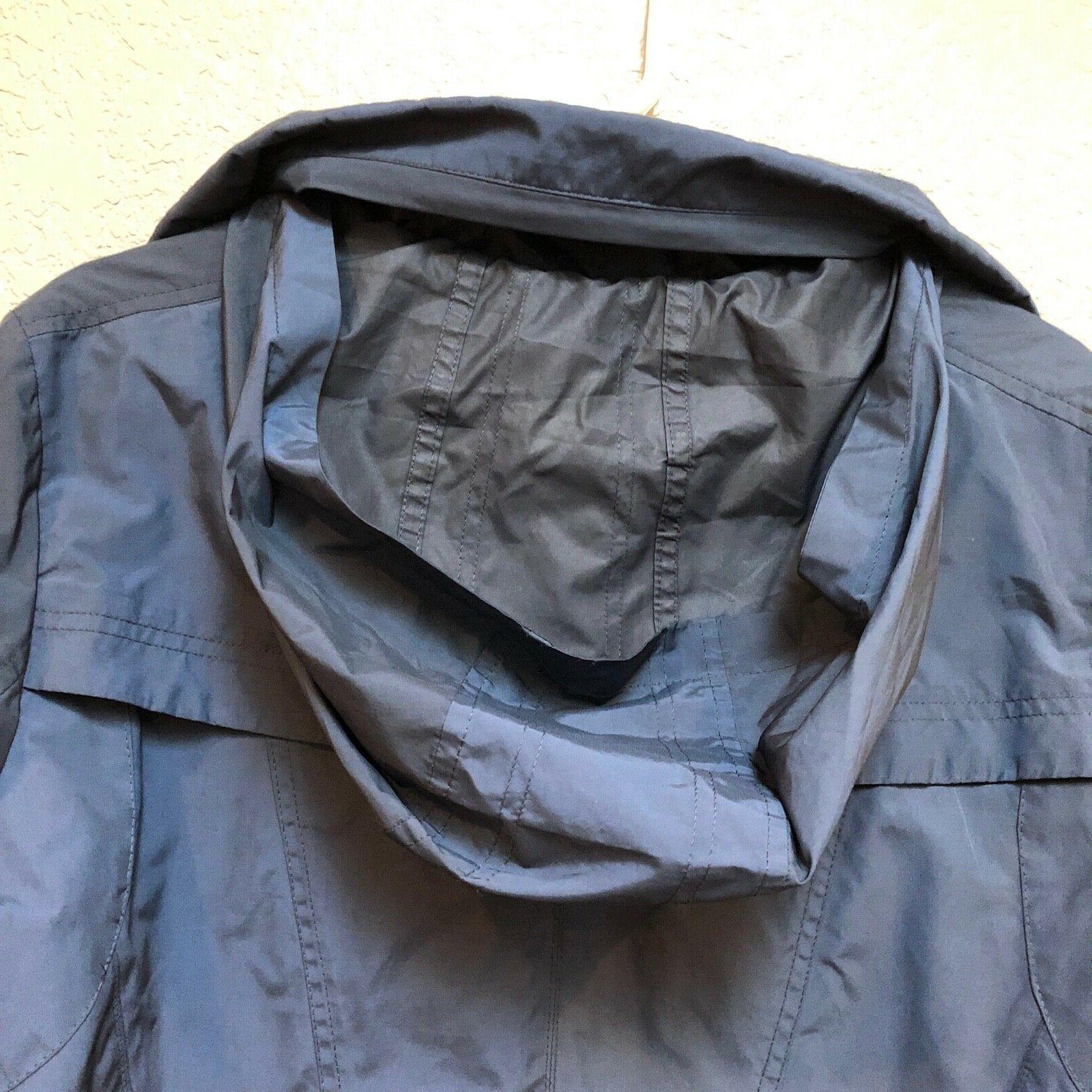 Cole Navy raincoat. Packable. Sz woman's XL