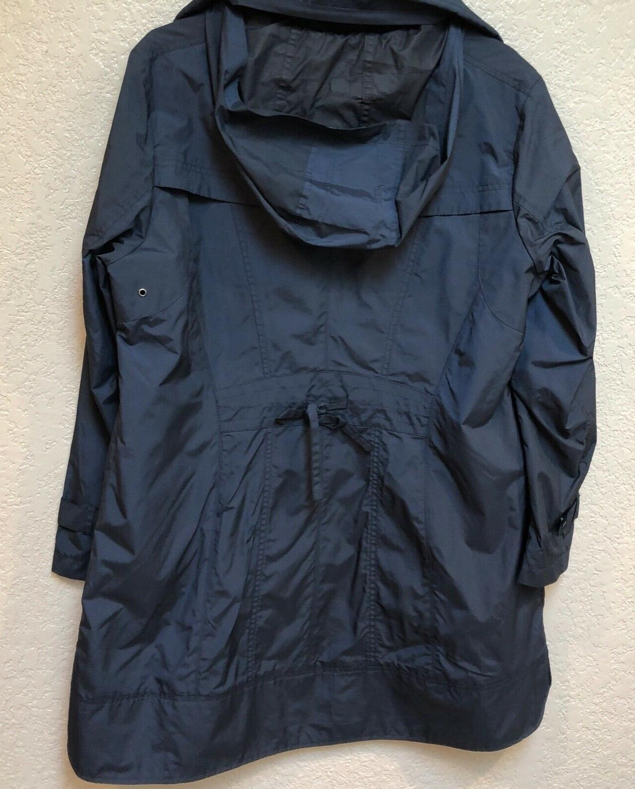 Cole Navy blue raincoat. length. Sz woman's XL